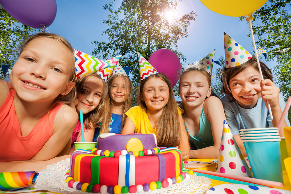 six young children at birthday party